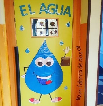 decoracion puerta agua
